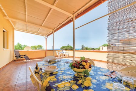 Semi-Detached with 2 bedrooms on 90m² in Triscina di Selinunte