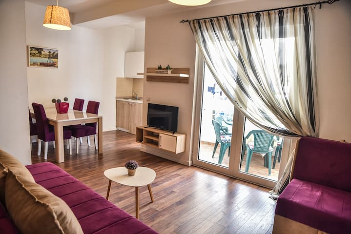Delux double room apartment city center