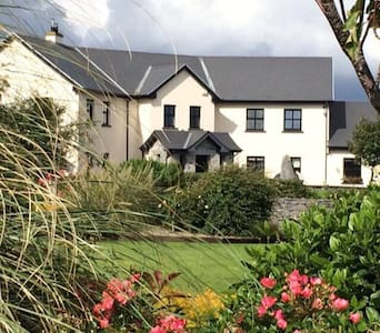 Oranmore, Co. Galway by the Sea - Bed & Breakfast