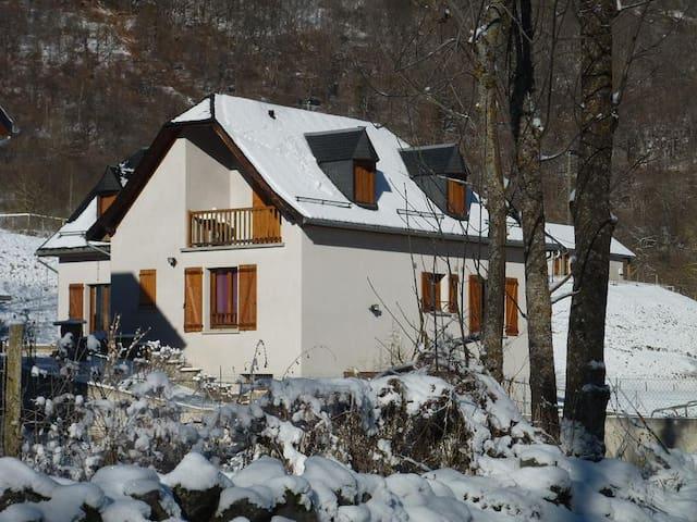 Maison en Gîte de France - Oô - Apartemen