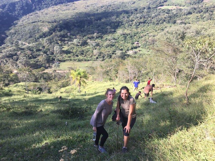 Treking y admirando la naturaleza