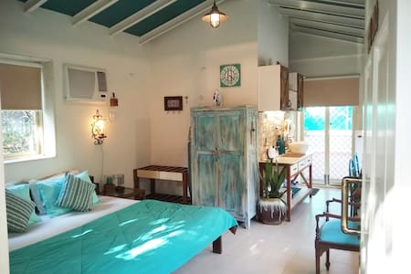 Private studio, open sky terrace close to airports