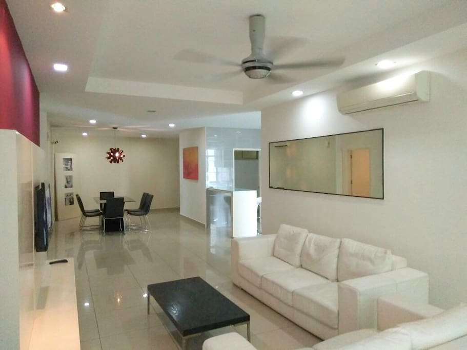 Common area to minggle with other house mates