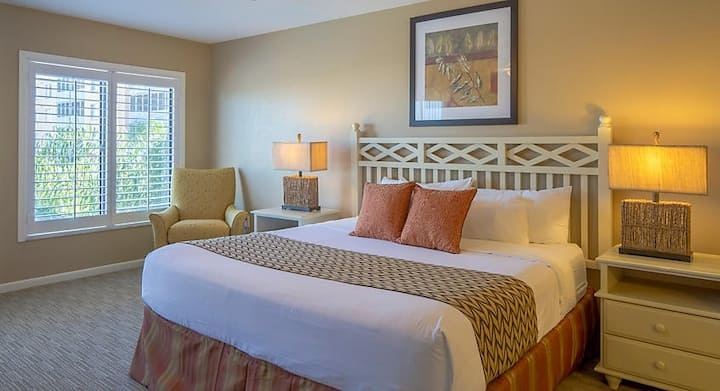 Orlando's Sunshine Resort™ - 2BR Condo - Sleeps 8