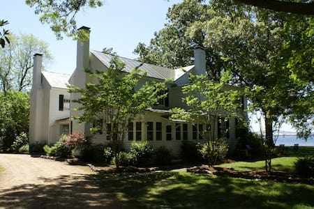 Pop Castle, Historic Gem on the Rappahannock River - White Stone - Rumah