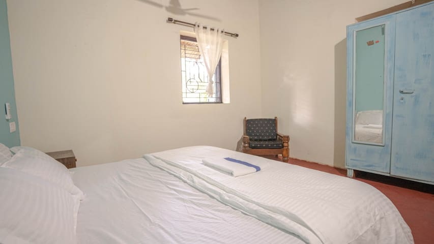 Bedroom 2 [Pic 2]