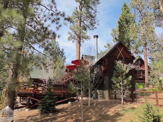 The happy cabin cabins for rent in big bear lake for Cabins for rent in big bear lake ca