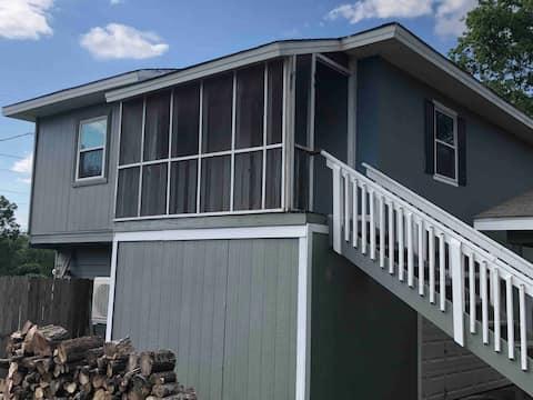 Apartamento tranquilo garaje de 2 habitaciones cerca del lago