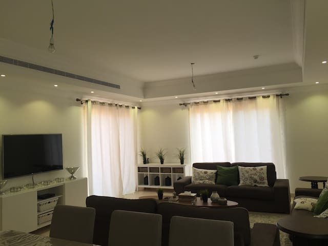 Fully Furnished 3 Bdr Penthouse - Jeddah - House
