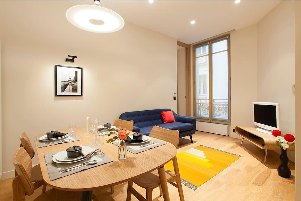 Appart au coeur du luxe parisien av montaigne for Appart hotel paris location au mois