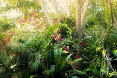 Surya Garden - Twin Bunglow (M) - Tangalle