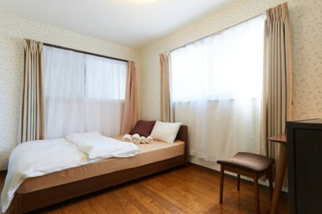 Second Bed Room With a double sizebed. 副寝室ダブルサイズベッド