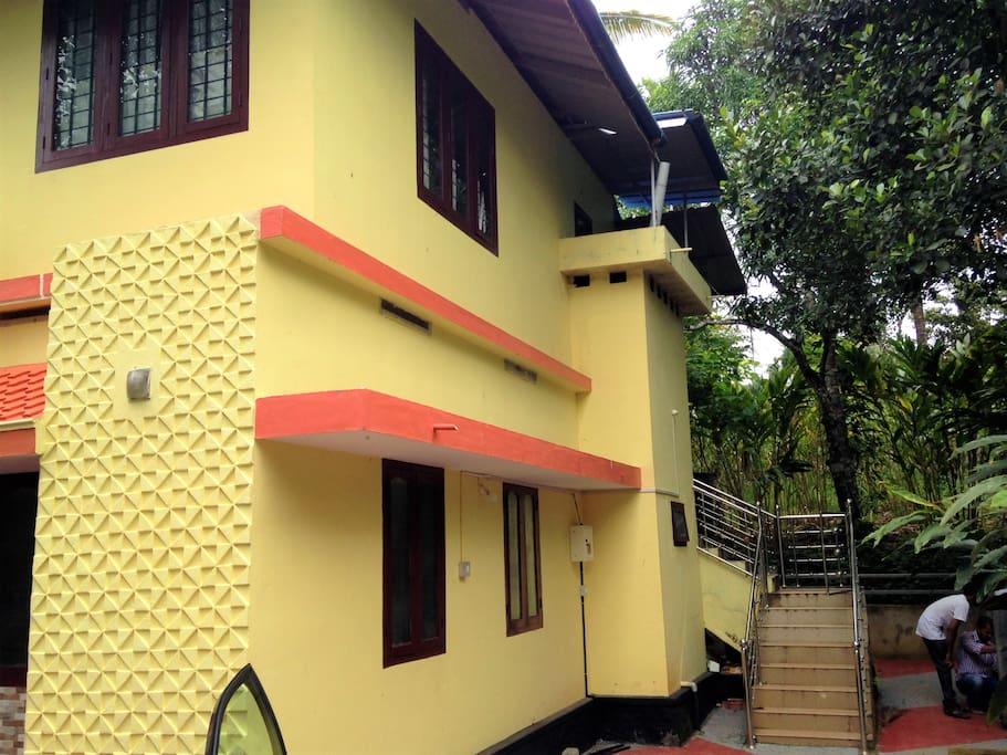 2 Level Home ( 3 Bedrooms above 2 Below )