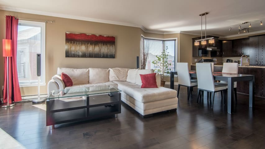 Gorgeous condo - 20 min from downtown Montreal - Brossard - Apartment