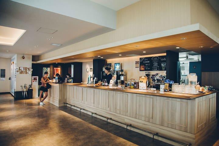 Mixed Dorm, Hostel w/gym,events,cafe,terrace!