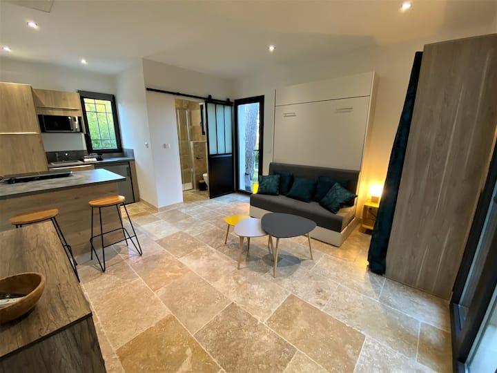 Studio neuf 25 m2 indép dans villa  récente