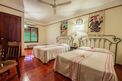 La Casa del Mago in Uxmal-Double Room W/Bathroom