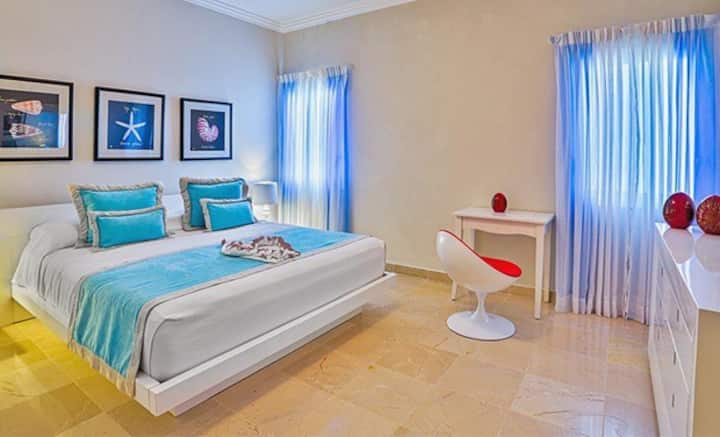 PUNTA CANA 2 BED PRESIDENTIAL. 6 person MAX.