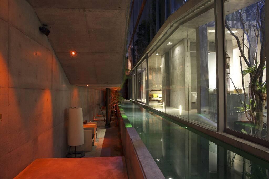 紅艷色温、泳池LED綠色対比対照
