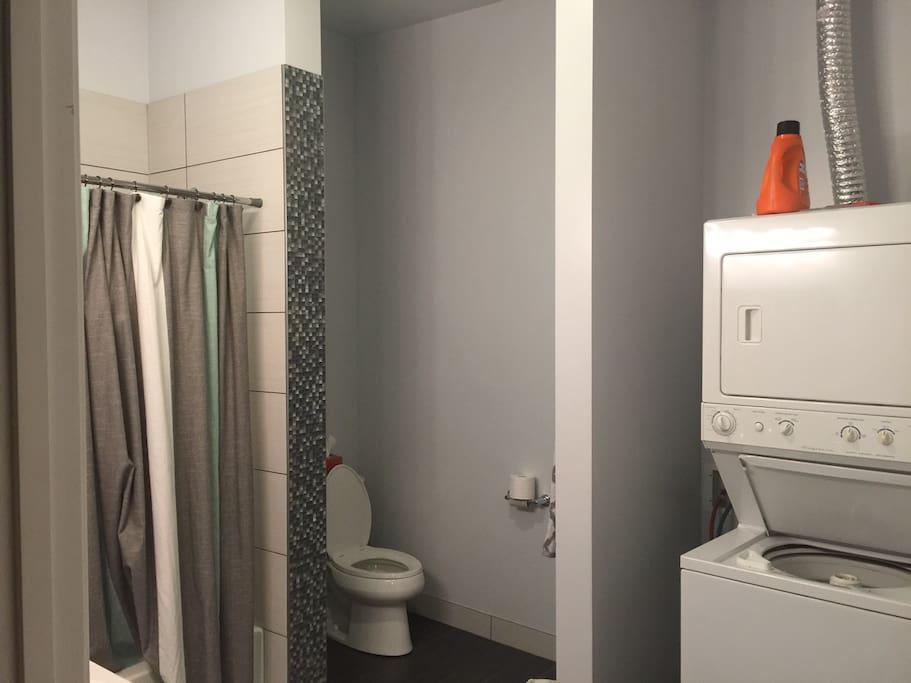 Bathroom w/ washer and dryer