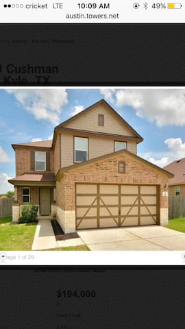 Charming 2story home - Kyle - House
