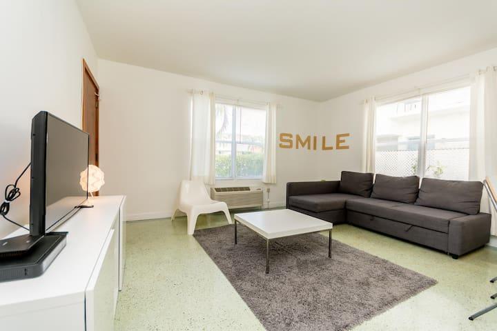 Modern & Clean renovated Apartment - Miami Beach - Byt