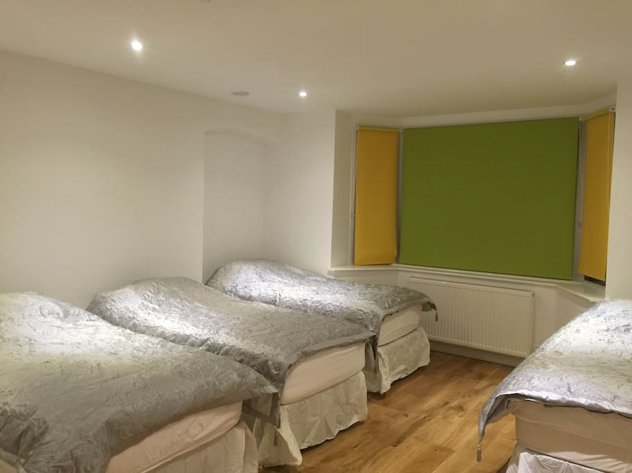 A total of 4 single beds 2 of which can also be joined together if required