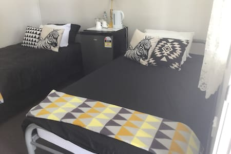 Rubern Lodge room 5 twin room