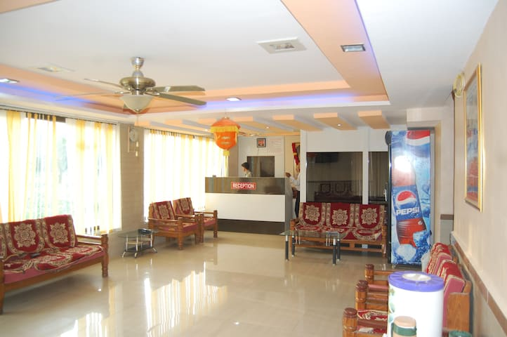 Premium Service private room in Shirdi - Shirdi - Boutique hotel