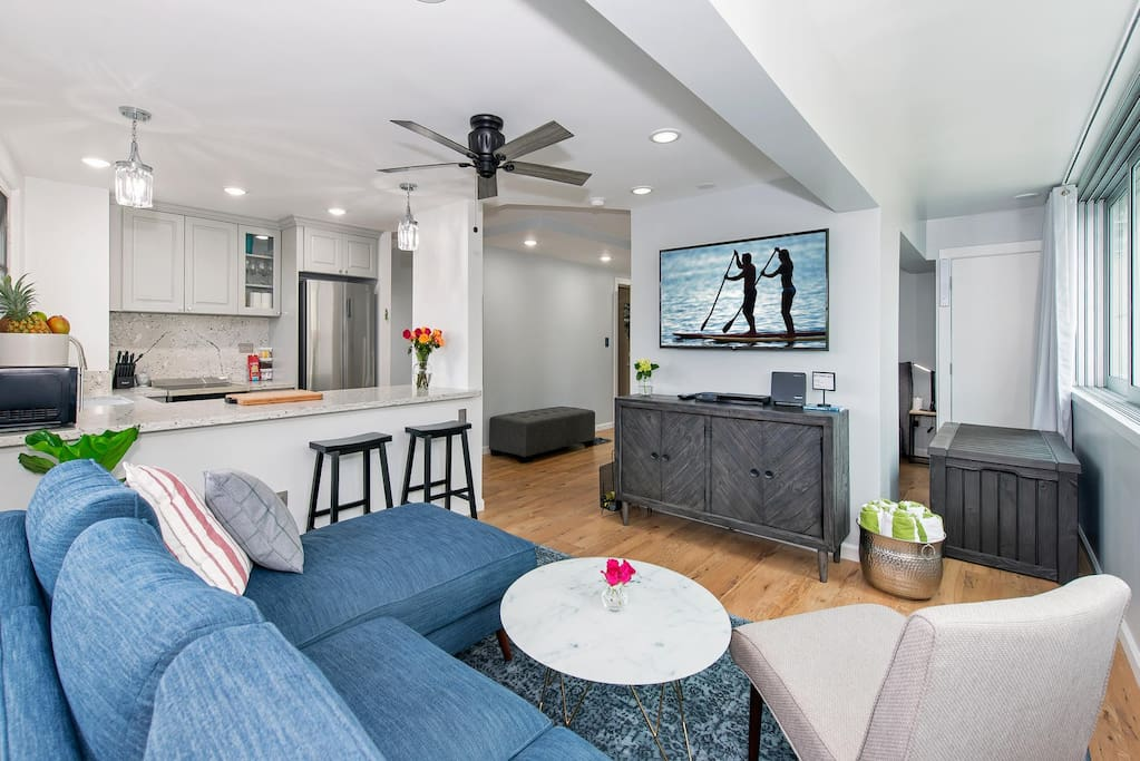 Living Room and Kitchen: Make yourself at home!