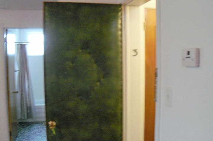 Appartement 3 pièces et demi meublé , Mont-Joli QC - Mont-Joli - Pis
