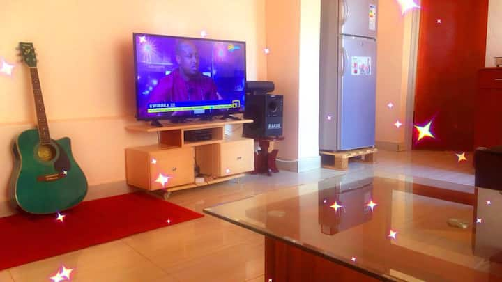 Convenient home close to the airport with 4G wifi