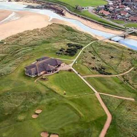 Peterhead golf course a 5 minute walk along the beautiful coastline
