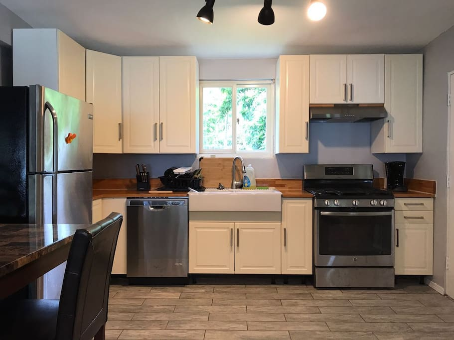 Full equipped kitchen including dishwasher