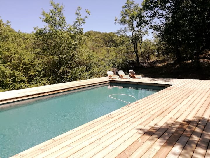 Exceptional house in the Luberon in a park