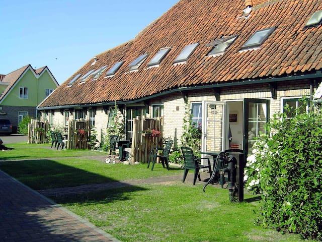 In oude boederij, in het dorpje Den Hoorn - Den Hoorn Texel - Apartment