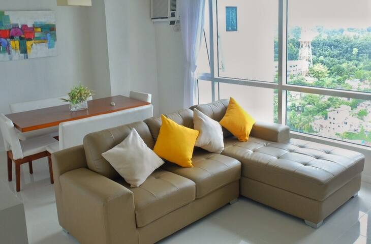 Cozy Two-Bedroom in Marco Polo Residences - Cebu City - Daire