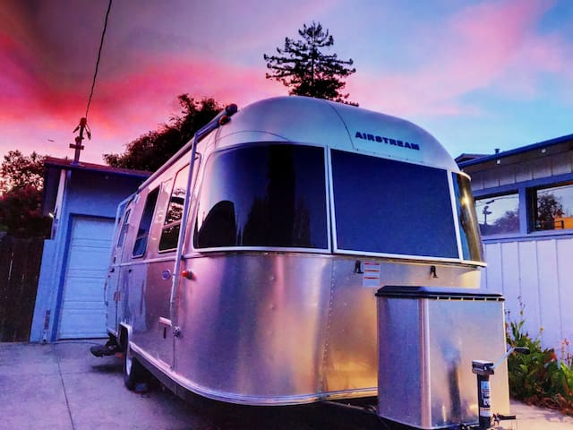 Cozy Airstream in Heart of Silicon Valley