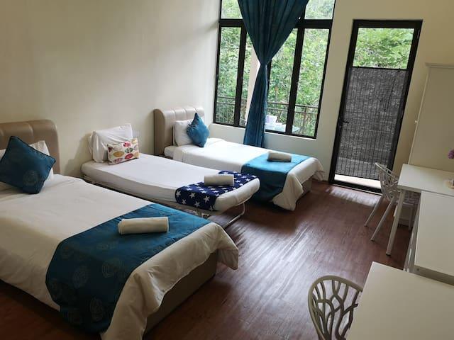Forest Lodge B&B Janda Baik (Forest Room 1)