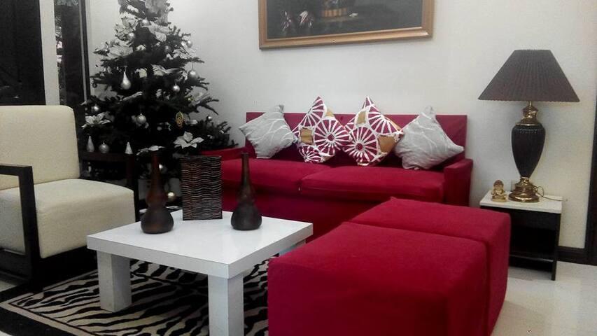 Tagaytay Metro Garden House - Tagaytay - Hus