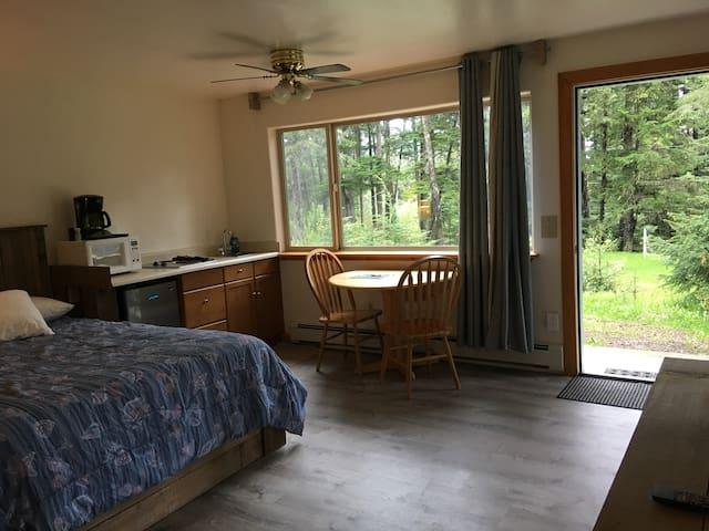 Beachroadhouse Room 1