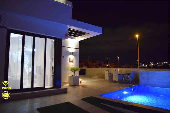 Casa Bettina - luxury villa, private pool, WiFi