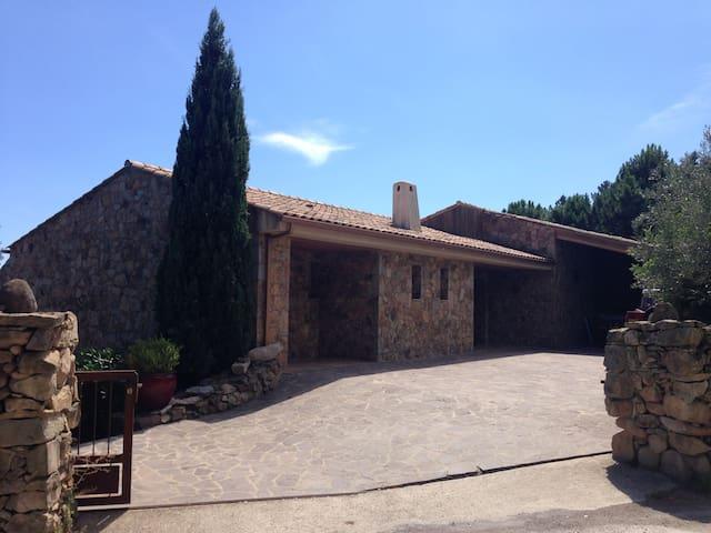 Maison de village en pierre vue mer - Sari-Solenzara - Rumah