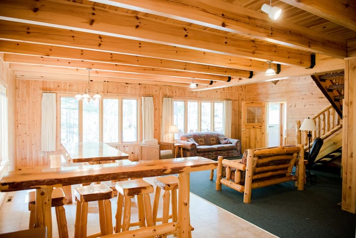 Reunion Cabin with Loft  & Screen Porch (Resort)