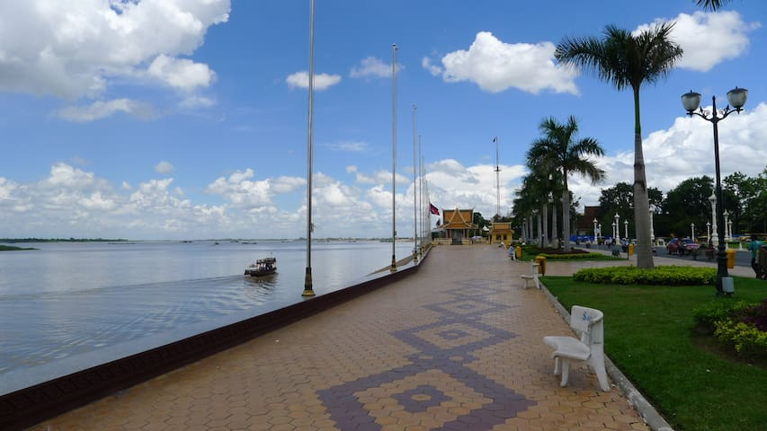 Beautiful Riverfront Apartment - Phnom Penh - Apartamento