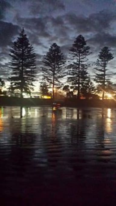 Orewa Beach - Walk or drive, Restaurants, paddle boarding, surfing, swimming, walking