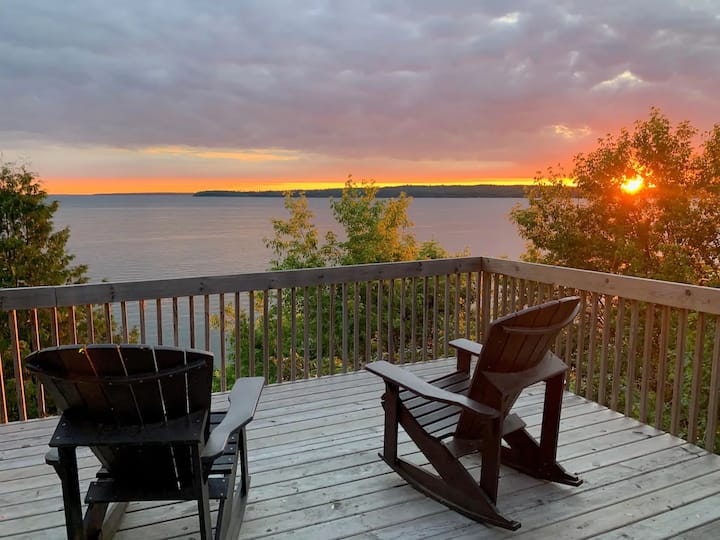Stunning Lake-front Home, Walk to Trails and Town!