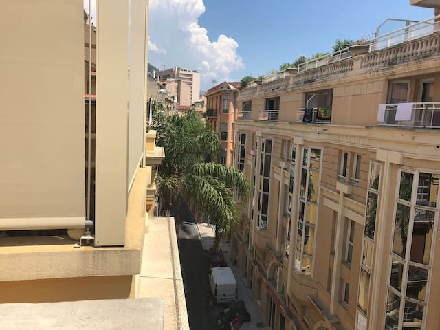 Private 18 mq bedroom with pvt terrace in MC