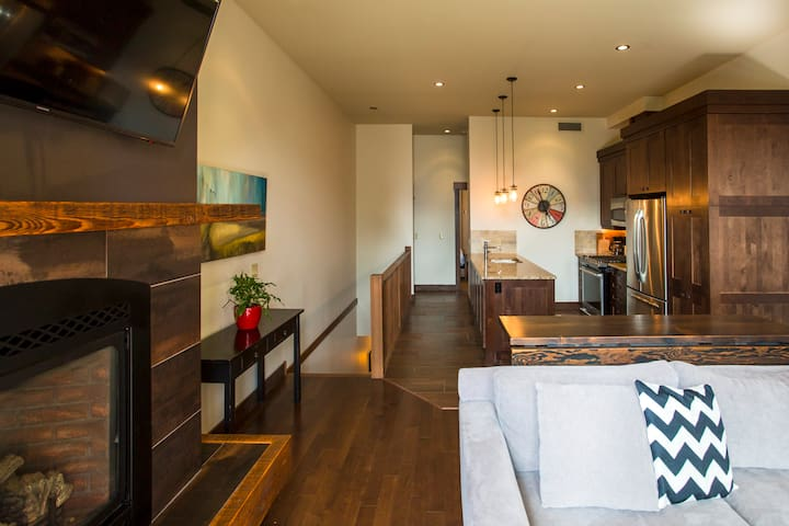 Downtown boutique accommodation @ 901 Fernie