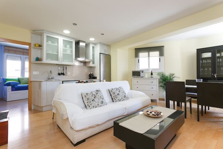 Cozy 2 bedroom apartment in Sants